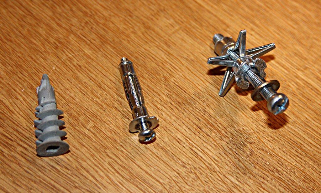 Beliebt Hängeschränke an einfache Rigipswand? | Küchenausstattung Forum DN25