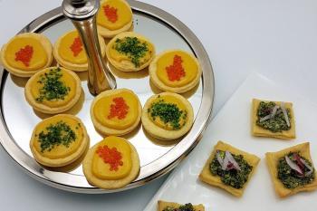 Tartelettes mit Rühreicreme / Möhrengrünpestocreme.jpg