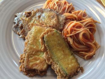 Kalb und Zucchetti Piccata mit Tomatenspaghetti