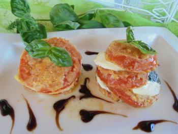 Tomaten-Mozarella Türmchen