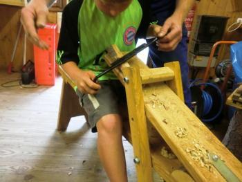 Holzwerkstatt beim Abziehen