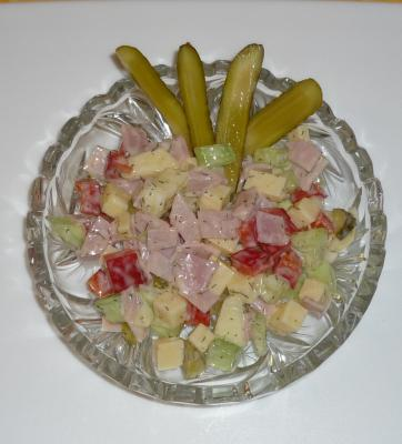 Bunter Käse-Schinken-Salat