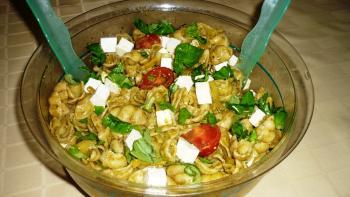 Nudelsalat mit Pesto