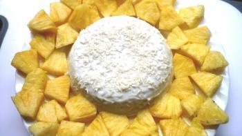Kokospudding mit Ananas