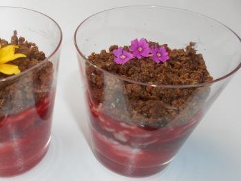 Erdbeer-Pumpernickel-Joghurt