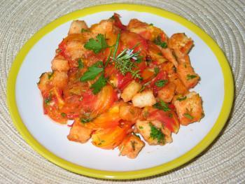 Warmer Tomatensalat mit frischen Kräutern und gebratenem Toastbrot von BellaSun