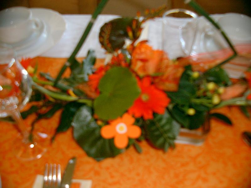 Tischdeko (Konfirmation) blaue Hortensie, Orchideen