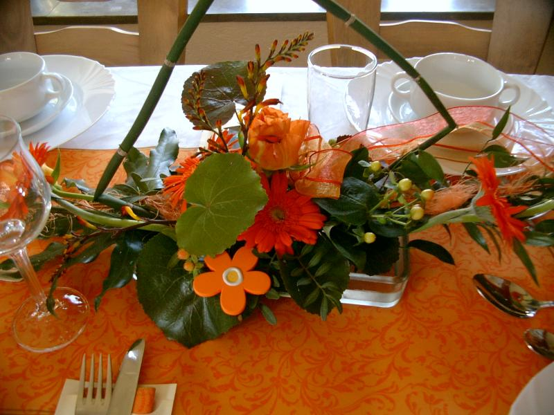 Tischdeko Konfirmation Blaue Hortensie Orchideen Gastezimmer