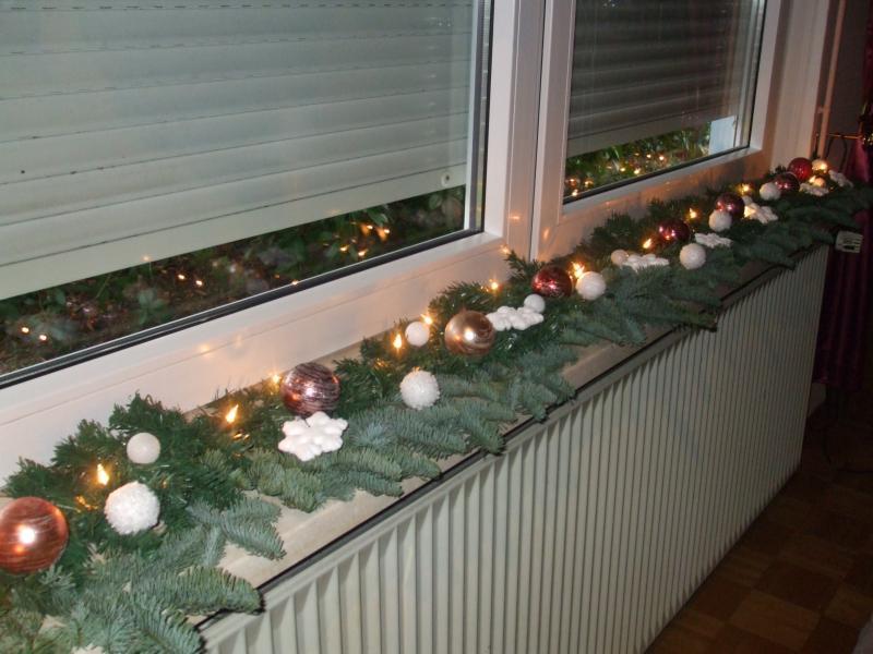 Weihnachtsdeko Fensterbank Innen.Weihnachtsdeko Türdeko Weiße Amaryllis Blumenstrauss Zu Nikolaus