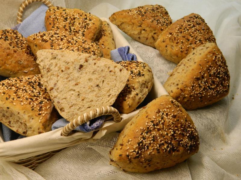 Brot Brötchen backen 02 11 08 11 2019 1913388212