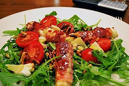 Gebratener Schafskäse im Speckmantel auf Rucola-Parmesan-Salat 24