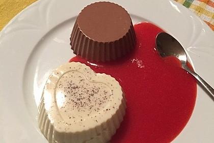 Panna cotta mit Erdbeersauce 15