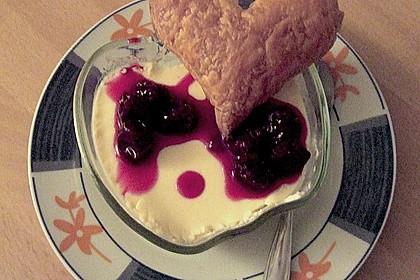 Panna cotta mit Erdbeersauce 108