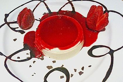 Panna cotta mit Erdbeersauce 37