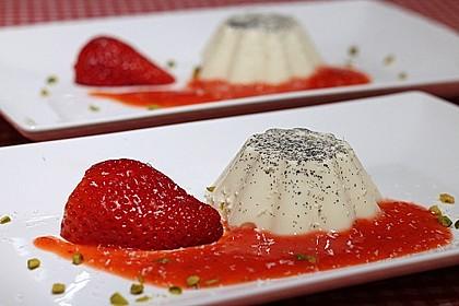 Panna cotta mit Erdbeersauce 8