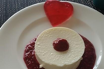 Panna cotta mit Erdbeersauce 40