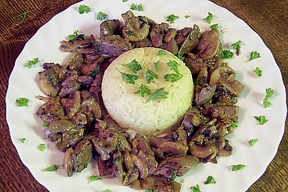 Hähnchenleber mit Champignons in Weinsauce 4