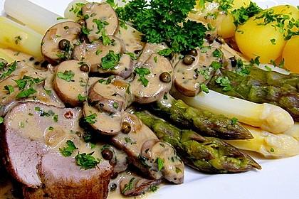 Spargel mit Schweinefilet und Pilzsauce
