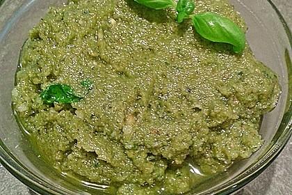 Basilikum-Pesto 10