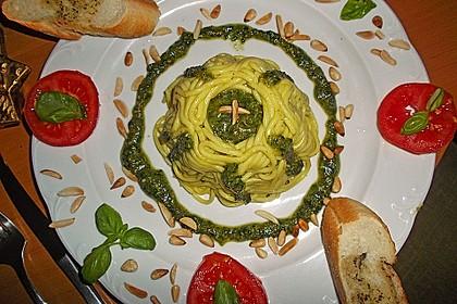 Basilikum-Pesto 11