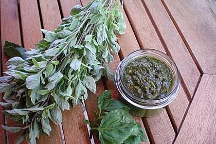 Basilikum-Pesto 1
