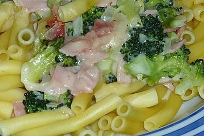 Makkaroni in Brokkoli-Schinken-Soße 2