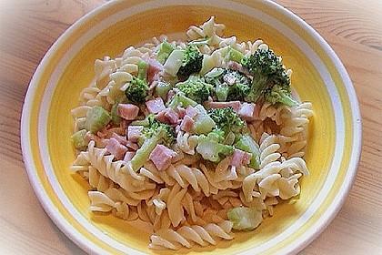 Makkaroni in Brokkoli-Schinken-Soße 4