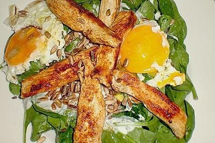 Spinatsalat mit Joghurt-Bärlauch-Dressing und Hähnchenbrust 1