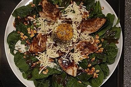 Spinatsalat mit Joghurt-Bärlauch-Dressing und Hähnchenbrust 2