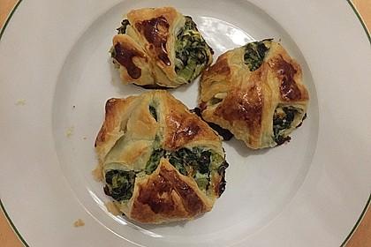 Griechische Blätterteig-Spinat-Taschen 9