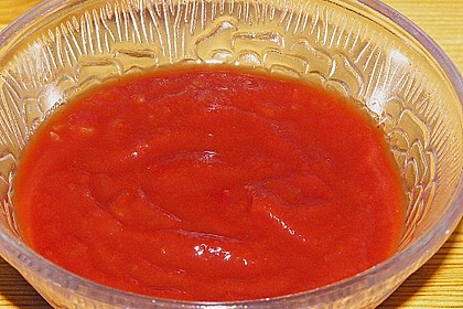 Tomatenketchup mit Zwiebeln