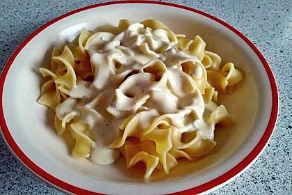 Spaghetti mit Knoblauch-Käsesauce 10