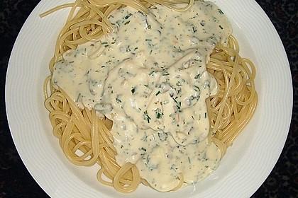 Spaghetti mit Knoblauch-Käsesauce 17
