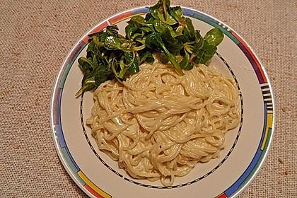 Spaghetti mit Knoblauch-Käsesauce 20