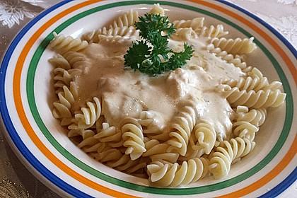 Spaghetti mit Knoblauch-Käsesauce 14