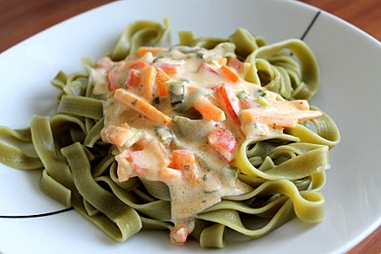 Spaghetti mit Knoblauch-Käsesauce 5