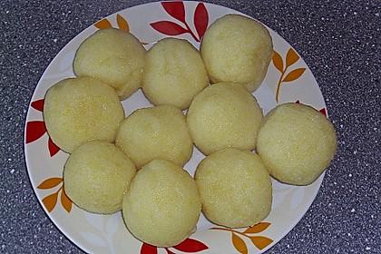Kartoffelklöße 21