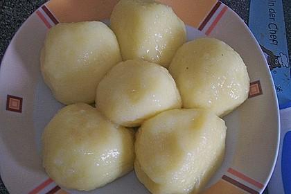 Kartoffelklöße 26