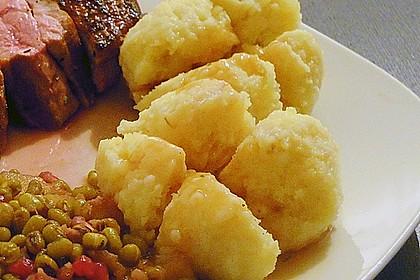 Kartoffelklöße 18