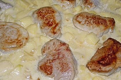 Schweinemedaillons mit Apfel-Meerrettich Sahnesauce 10