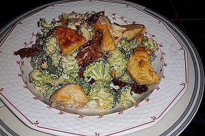 Brokkolisalat  (roh) 2