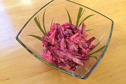 Chrissis Rote Bete - Apfel - Salat mit Meerrettich 10