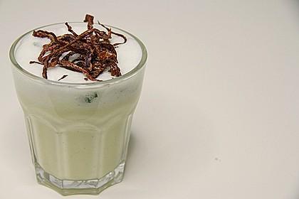 Meerrettichsuppe mit Basilikum - Schaum und frittiertem Blaukraut