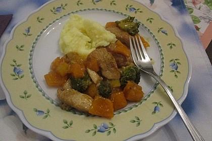 Hähnchenbrustgeschnetzeltes mit Paprika und Brokkoli aus dem Wok 19