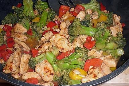 Hähnchenbrustgeschnetzeltes mit Paprika und Brokkoli aus dem Wok 12