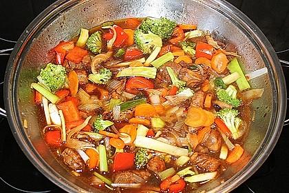 Hähnchenbrustgeschnetzeltes mit Paprika und Brokkoli aus dem Wok 10