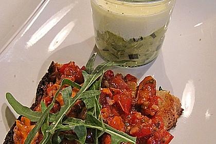 Zucchinikaviar mit Parmesancreme (Bild)