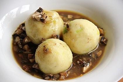 Kartoffelklöße mit Lauch