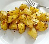 Backkartoffeln als Beilage (Bild)