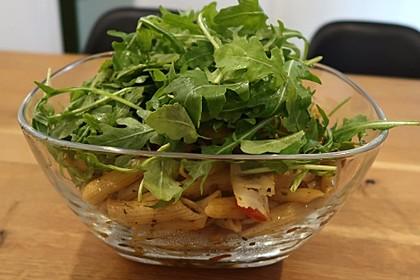 Italienischer Nudelsalat mit Rucola und getrockneten Tomaten 65